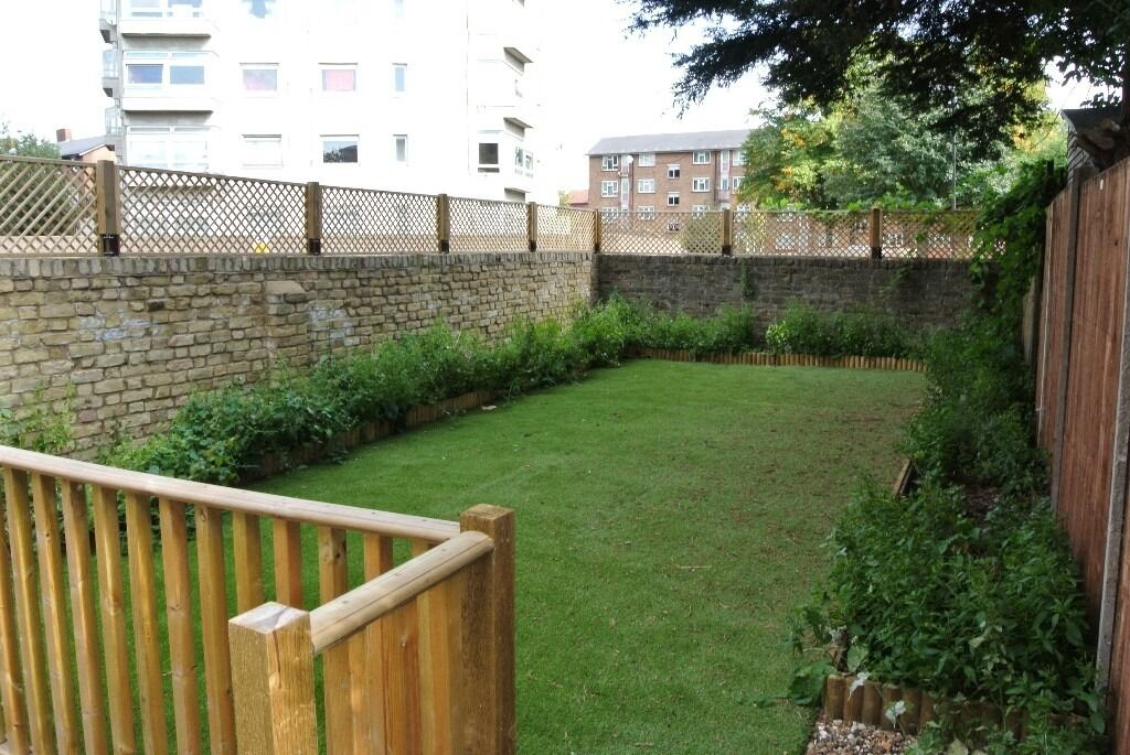 Newly renovated 2 double bedroom garden flat minutes from Clapham North underground station