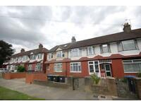 1 bedroom flat in Melville Gardens, Palmers Green