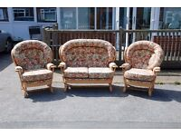 Conservatory 3 piece suite. Ex-display. 2 Seater and 2 single arm chairs. Excellent condition