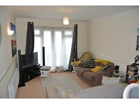 Large modern 2 double bedroom 2 bathroom 1st floor apartment close to transport links