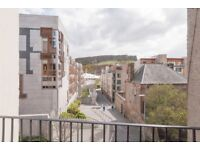 Attractive 3 bedroom flat with HMO and balcony located in Edinburgh's Royal Mile available September