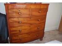 Antique Chest of Drawers. Mahogany Bow Fronted 5-drawer chest.