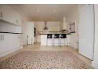 3 bedroom flat in Acacia Road, St Johns Wood