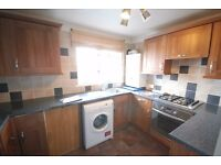 3 bedroom flat available to rent at Oxgangs area!