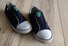 Boys sneakers, size 13. Excellent condition