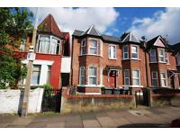 1 bedroom flat in Woodlands Park Road, Harringay