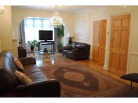 Stunning elegant 5 bedroom house in IG5 close to Barkingside Underground