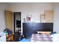 Bright 1 or 2 bedroom flat 3 mins to Bethnal Green tube station