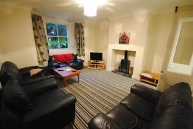 7 bedrooms in 27 St Michaels Road, Leeds, LS6 3BG