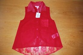 Beautiful red sleeveless blouse, age 7 - never been worn.