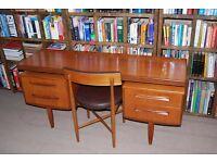 G Plan 'DESK' Danish style teak mid century modern 1960s vintage floating dressing table gplanera