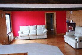 Lovely open plan flat available in rural location on the edge of an equestrian centre