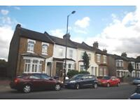 4 bedroom house in High Street, Enfield