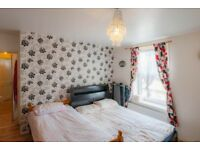3 bedroom flat in Bishops Way, London, E2