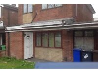 LOVELY 3BEDROOMS HOUSE TO LET NEW MOSTON CLOSE TO CITY CENTRE