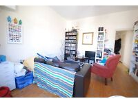 2 bed to Let Just off Palace road- Tulse hill- gem of a flat.
