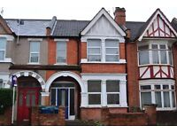 HWL466- Ground floor 2 bedroom flat with share of garden in Harrow on the hill. Unfurnished.