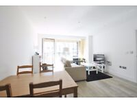 Lakeside Drive - Superb 1 bed 4th floor flat in this new development offered furnished or unfurn