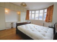 Spacious 5 bedroom house with large garden,garage near good schools and high street and park