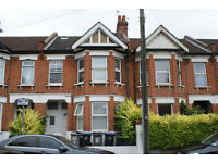 Temple Road, London, NW2 , 5 Bedrooms 2 Bathrooms, Close to Gladstone Park