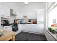 Green Lanes, two bed flat , split-level conversion located close to Clissold Park IN STOKENEWINGTON