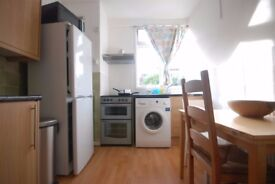 INCLUSIVE OF ELECTRICITY AND WATER!!!! 2 Bedroom Flat, N1