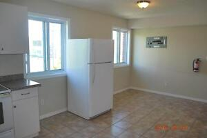 FURNISHED 5 BED STUDENT APTS * 1 MTH FREE * MAY or SEPT LEASE Kitchener / Waterloo Kitchener Area image 3