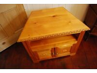 BEAUTIFUL SOLID WOOD TV Stand Table