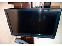 """SONY KDL-40S4OOO 40"""" LCD TELEVISION FULL HD 1080P VGC INC. STAND"""