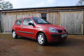 Renault Clio Campus 3-Door For Sale 06 Reg MOT and FSS 61000 mls Great condition £1300