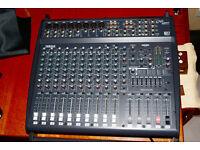 Yamaha EMX 2000 Powered Mixer