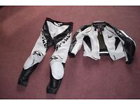 "Spyke Motorbike ""Racing Collection"" Leathers Black and White size 50 (SPYKE size)"