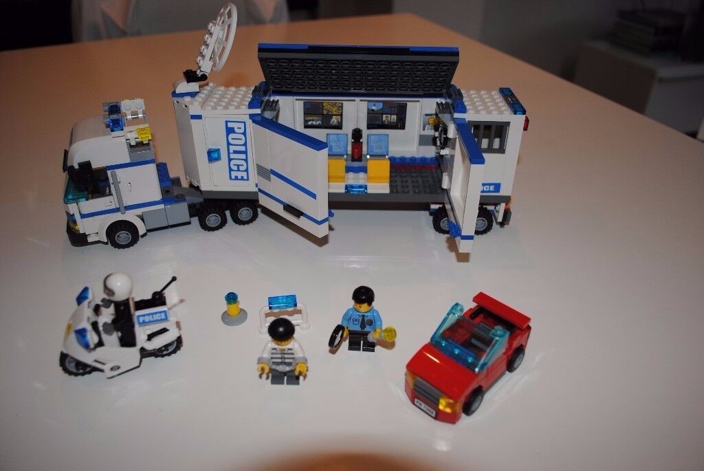 LEGO CITY MOBILE POLICE UNIT (7288)