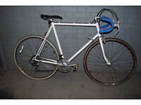 XL 63cm White Raleigh 18speed Fast Road Bike Shimano SIS Downtube Index Gear Shifters Mavic Wheels.