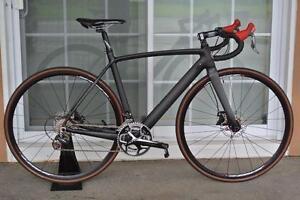 Vélo Carbone roue composantes et accessoires, Vélo Carbon freins a disque super léger roues assemblé sur mésure ici