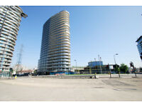One bedroom unfurnished luxury flat in Docklands flat in The Pump Tower E16