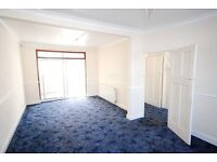 6 MONTHS LET ONLY - LARGE 3 / 4 BED HOUSE - COLINDALE - GARDEN - CONSERVATORY - SHED - DRIVEWAY