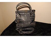 Chic Italian leather handbag