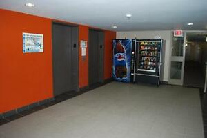 1 MONTH FREE! UNIVERSITY of WATERLOO 4 & 5 BEDROOM APARTMENTS Kitchener / Waterloo Kitchener Area image 8