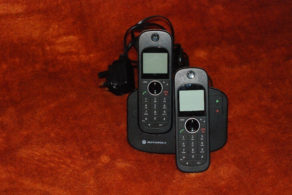 Motorola Base Phone with 2 Cordless Handsets and Answering System