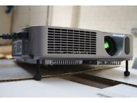 Hitachi CP-X605 Digital Multimedia Projector