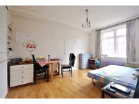 Abbey Road - Delightful studio flat in this well position block with lift and offered furnished