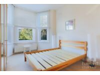 MASSIVE 2 BEDROOM GROUND FLOOR FLAT WITH A PRIVATE GARDEN IN HEART OF N12