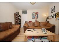 3 bedroom flat in Sussex Close, Sussex Way, Archway