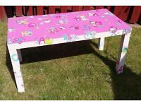 Little girls alphabet table