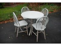 A really fantastic Shabby Chic Round Pedestal Dining Table & 4 matching Chairs. Really Superb!