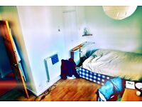 In a Lovely clean and tidy house double room available, All bills Inclusive!