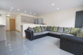 Professional House Share--- 2 Rooms Left---Includes Council tax in price