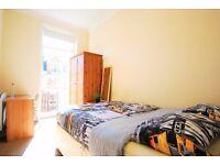 Maida Vale - Charming Double Room with Balcony
