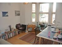 Spacious one double bedroom garden flat in close to Stockwell and Clapham North Underground
